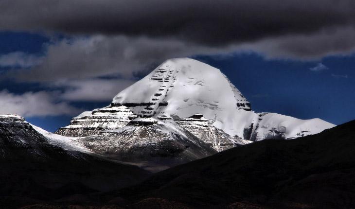 Kailash-Manosrvar-tour-with-tourist-Link-TREK