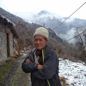Khamsing--tamang-Porter